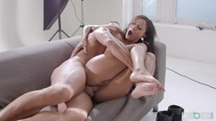 Massage Rooms Sexy natural Romanian gets intimate Thumb
