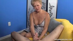 Dutch amateur gets her pussy nailed Thumb