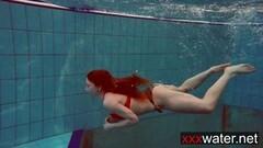 Bouncy booty underwater babe Katrin Thumb