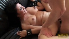 Curvy Babe with Furry Pussy Vibes her Clit Thumb