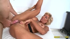 Wife stuffs her mouth with cock Thumb