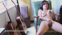 A Nice Dildo In a Chubby Ass! Thumb